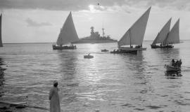 Sur le canal de Suez. © Library of Congress