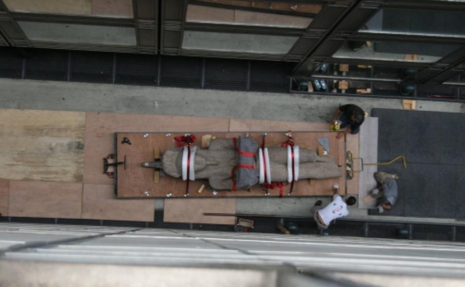 montage de l'exposition Osiris à l'IMA