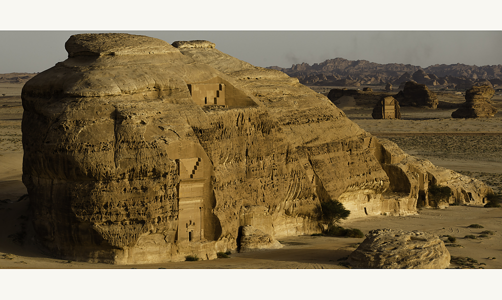Tombeaux nabatéens, Hégra, Arabie Saoudite © Yann Arthus-Bertrand