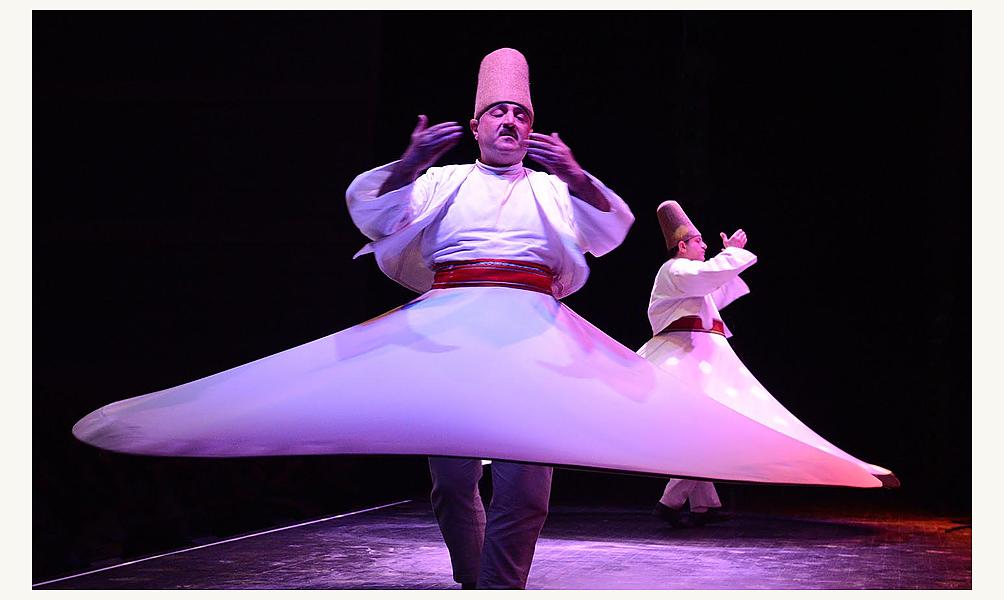 La ronde des derviches de Damas avec l'Ensemble Al-Kindi et les derviches tourneurs de Damas , 5 avril 2014, IMA © Thierry Rambaud / IMA