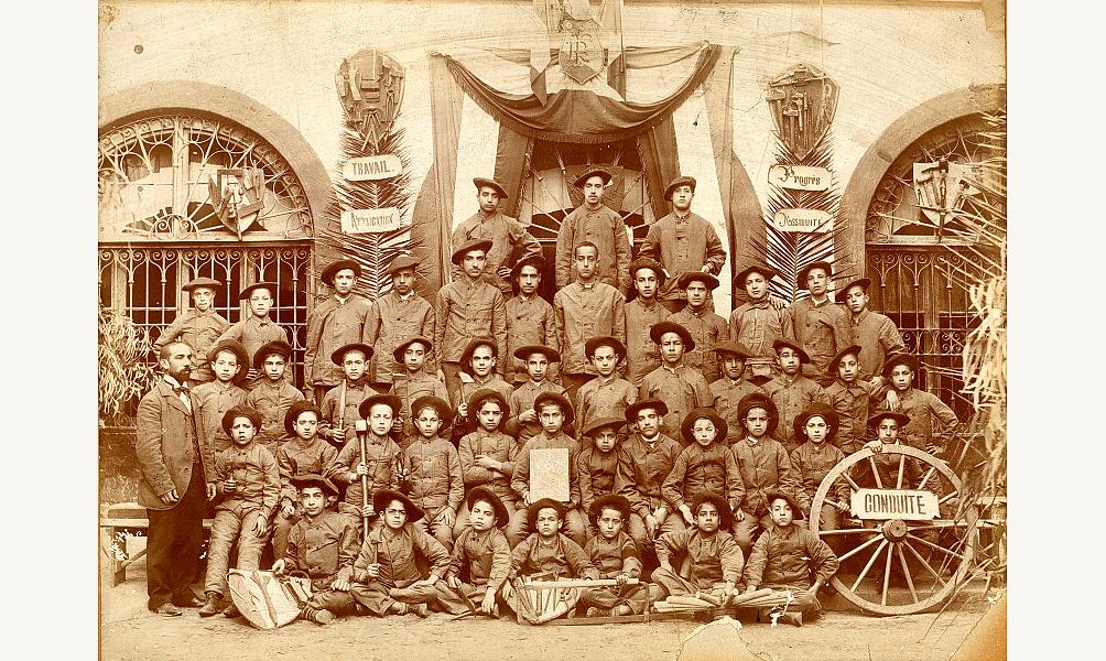Apprentis. Tunis, Tunisie, 1901. © Bibliothèque de l'Alliance Israélite Universelle