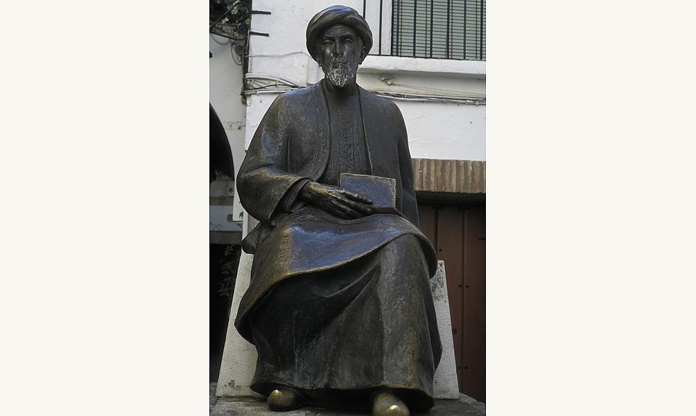 Statue de Moïse Maimonide, à la fois médecin, philosophe et rabbin, contemporain d'Averroès et qui vécut en Espagne, au Maghreb et en Égypte au XIIe siècle. IMA