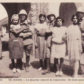 Prostitution dans le Maroc colonial, carte postale, photo Flandrin. D.R.