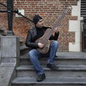Le bassiste syrien Omar Harb © Mais Shourbaji