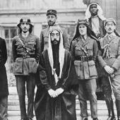 Faiçal et Lawrence à la conférence de paix de Paris, 1919 © Common Wikipédia
