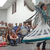 Rana Gorgani (danse) et Abbas Janessary (percussions), fête de la musique 2014 au musée Guimet (Paris) © Jean-Pierre Dalbéra